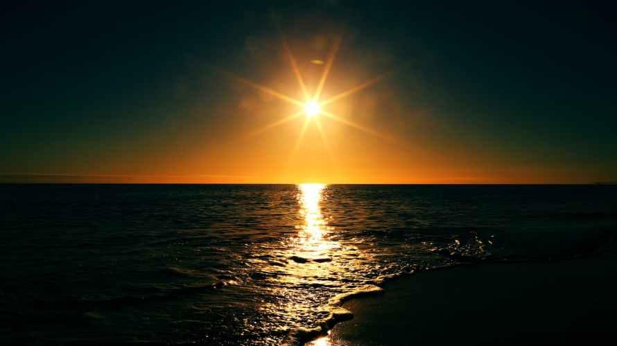 Life-of-Pix-free-stock-photos-sunset-sea-light-mikewilson.jpeg
